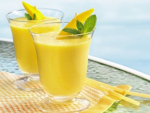 juice mango-smoothie